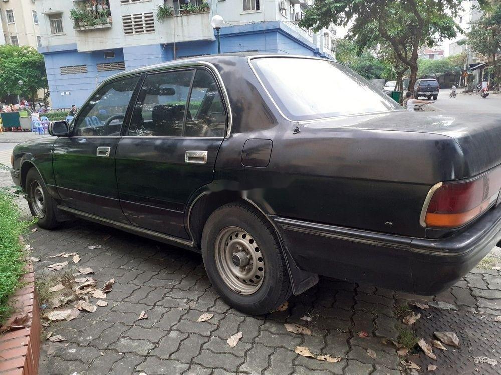 Bán Toyota Crown đời 1992, màu xám, xe nhập, số sàn, giá tốt (2)