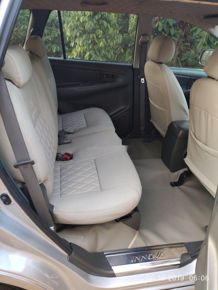 Bán Toyota Innova sản xuất 2013, màu bạc xe gia đình, giá tốt xe nguyên bản (3)
