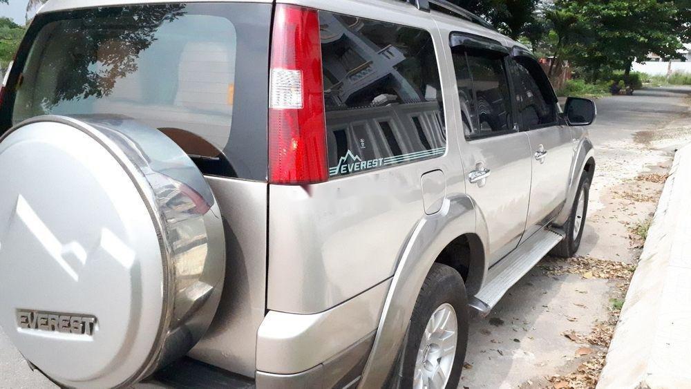 Cần bán xe Ford Everest MT sản xuất năm 2008 giá cạnh tranh (4)