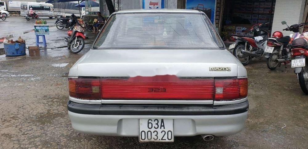 Chính chủ bán Mazda 323 đời 1995, màu bạc, máy chất (4)