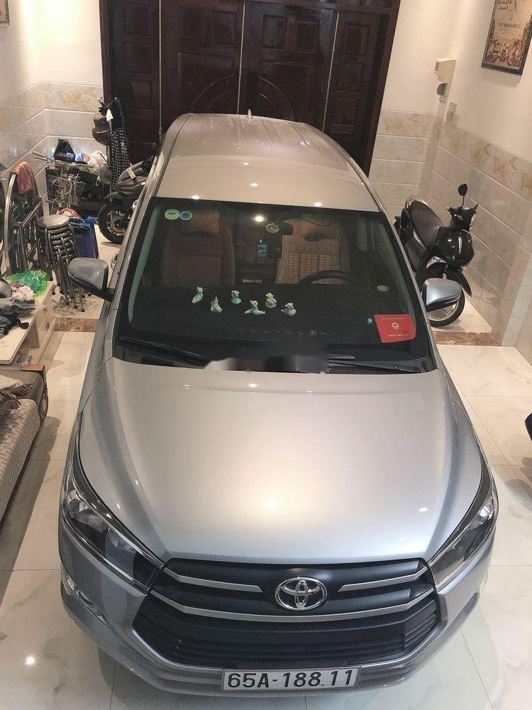 Bán Toyota Innova năm 2019, màu bạc, xe nhập, xe gia đình (1)