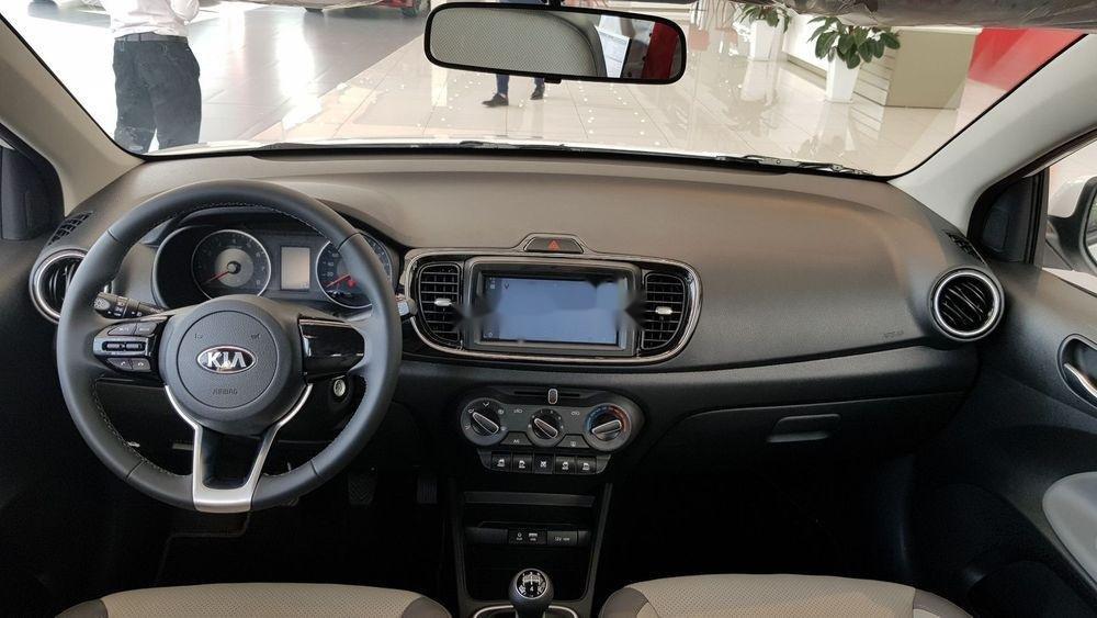 Bán ô tô Kia Soluto sản xuất 2019, màu trắng, xe nhập chính hãng (5)