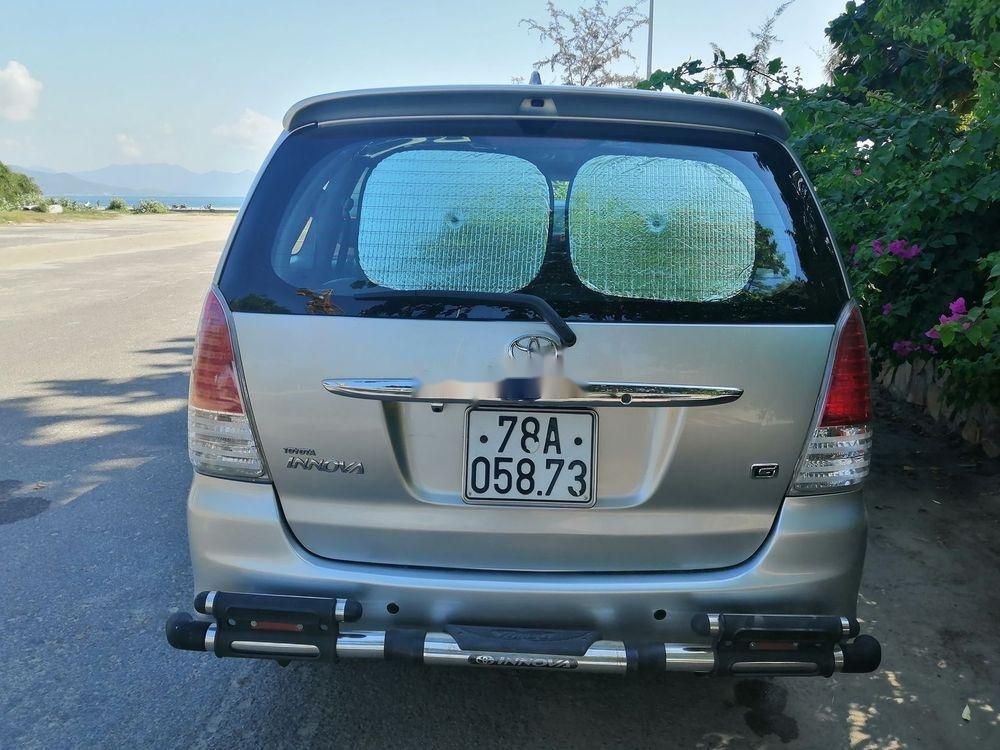 Bán Toyota Innova MT đời 2010, màu bạc, 400 triệu (2)