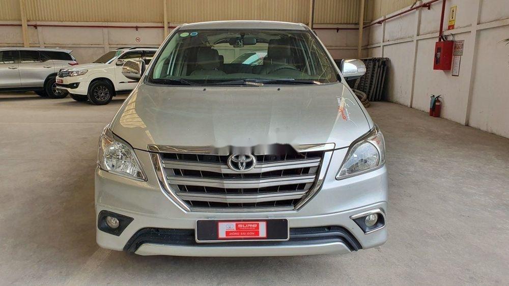Bán Toyota Innova đời 2015, màu bạc, số tự động (1)