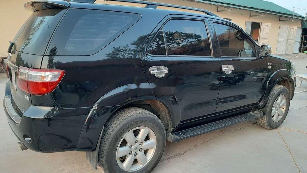 Bán Toyota Fortuner 2010, màu đen chính chủ xe nguyên bản (3)