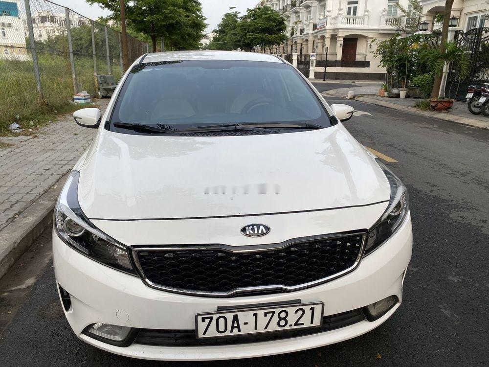 Bán Kia Cerato đời 2018 giá cạnh tranh xe nguyên bản (1)