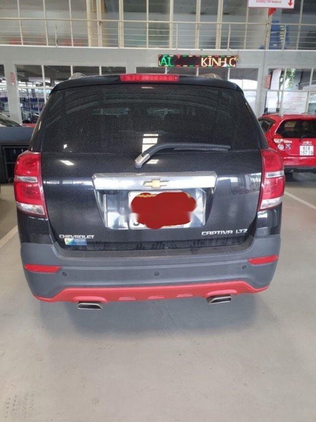Bán xe Chevrolet Captiva năm sản xuất 2016, màu đen chính chủ xe nguyên bản (6)