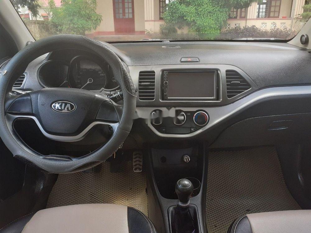 Cần bán gấp Kia Morning năm 2014, màu bạc xe gia đình xe nguyên bản (4)