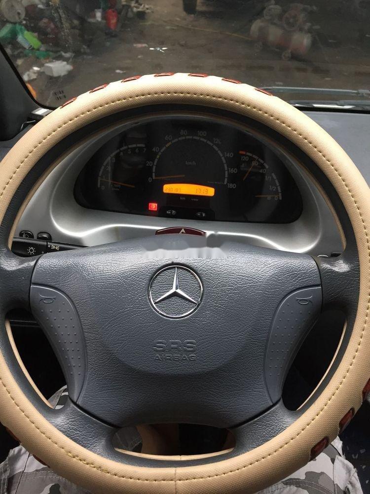 Cần bán xe Mercedes đời 2010, màu bạc xe gia đình, giá chỉ 360 triệu xe nguyên bản (6)