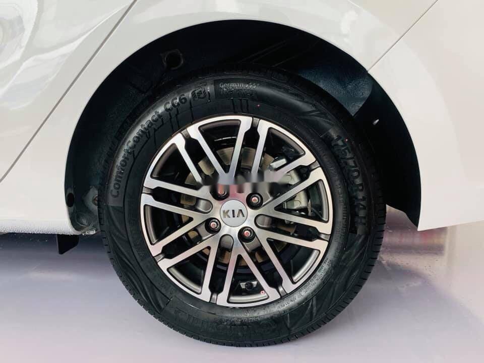 Cần bán Kia Soluto đời 2019, màu trắng, 399tr xe nội thất đẹp (5)