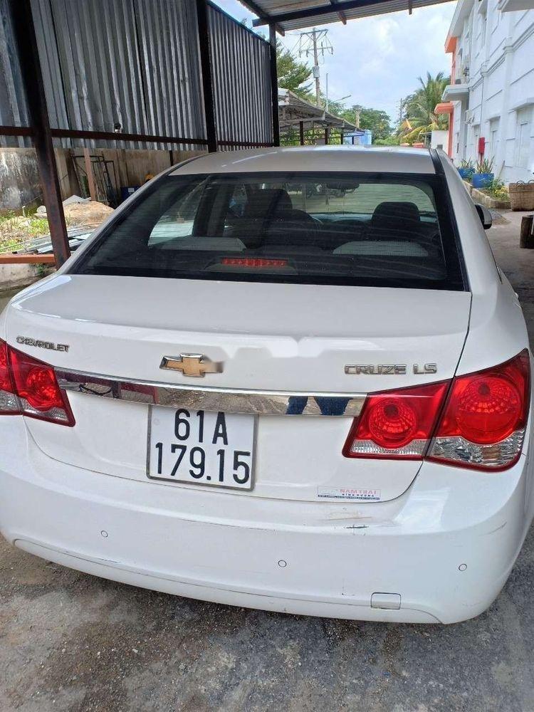 Bán Chevrolet Cruze 2014, màu trắng xe gia đình, 310 triệu xe nguyên bản (2)