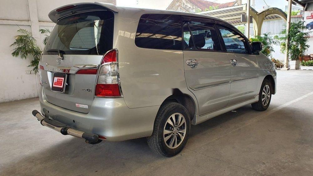 Bán Toyota Innova đời 2015, màu bạc, số tự động (4)