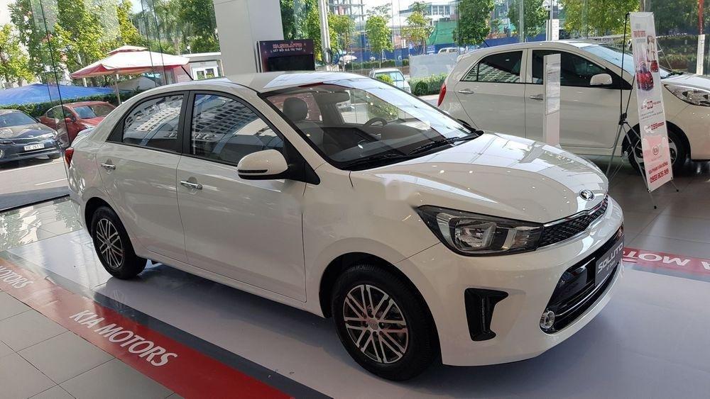 Bán ô tô Kia Soluto sản xuất 2019, màu trắng, xe nhập chính hãng (1)