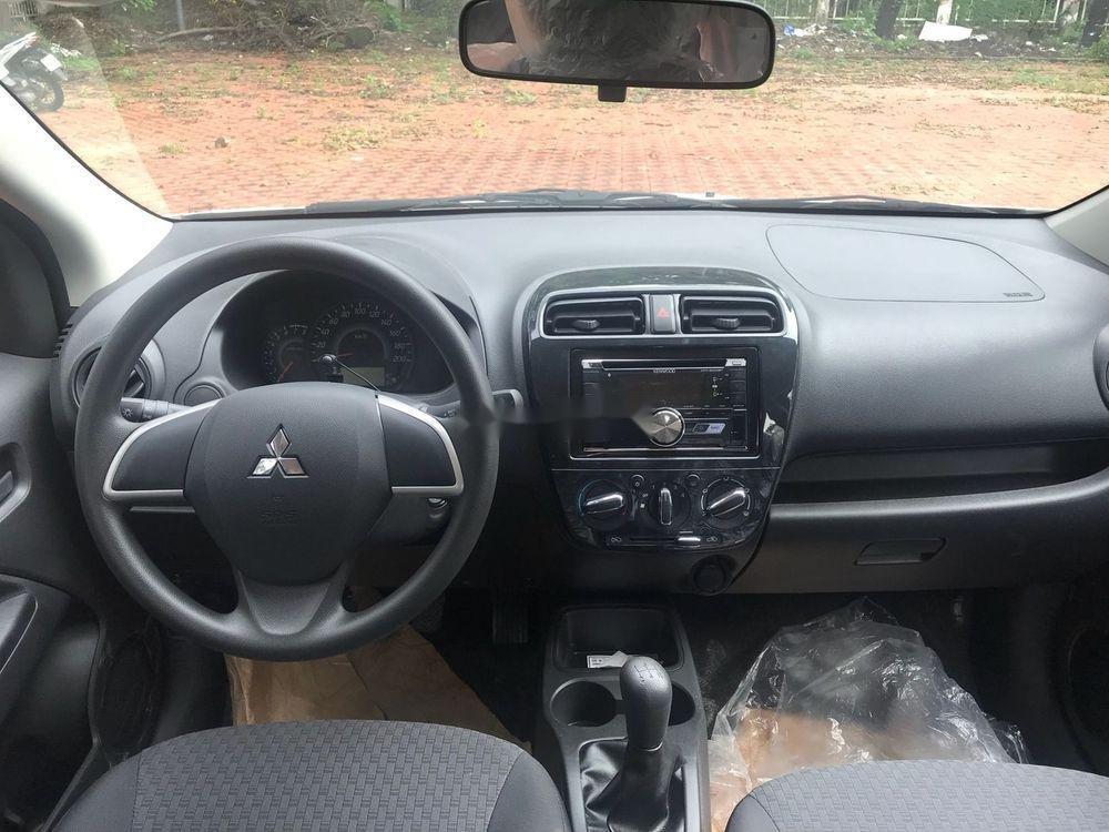 Cần bán Mitsubishi Mirage năm 2018, màu trắng, xe nhập chính hãng (5)