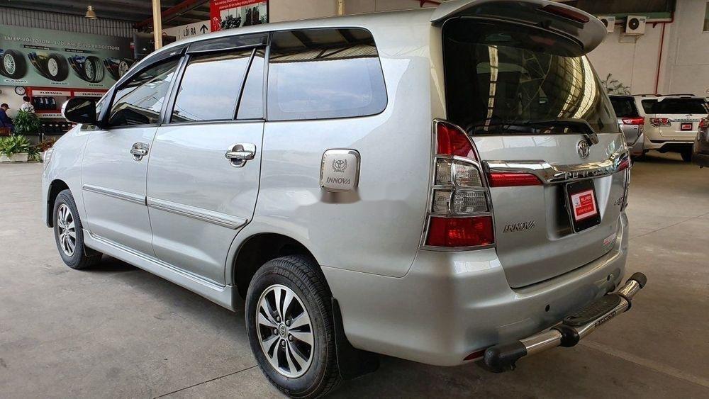 Bán Toyota Innova đời 2015, màu bạc, số tự động (5)