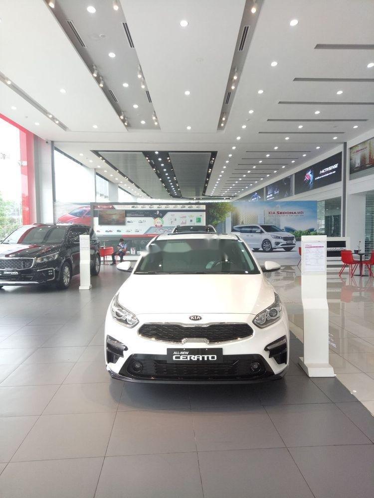 Bán Kia Cerato đời 2019, màu trắng, giá cạnh tranh (1)