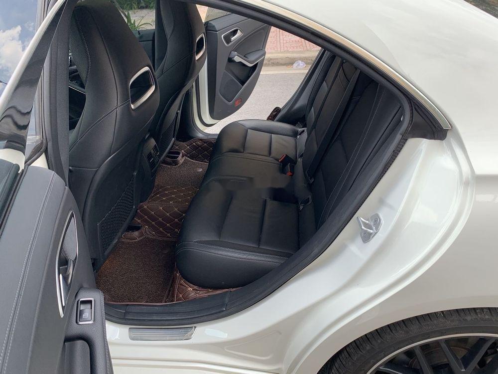 Cần bán xe Mercedes năm sản xuất 2017, màu trắng, xe nhập chính hãng (10)