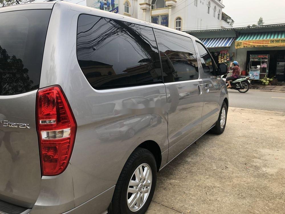 Cần bán lại xe Hyundai Grand Starex sản xuất 2016, màu bạc, nhập khẩu nguyên chiếc chính hãng (1)
