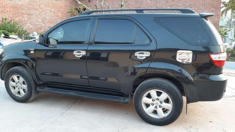 Bán Toyota Fortuner 2010, màu đen chính chủ xe nguyên bản (2)