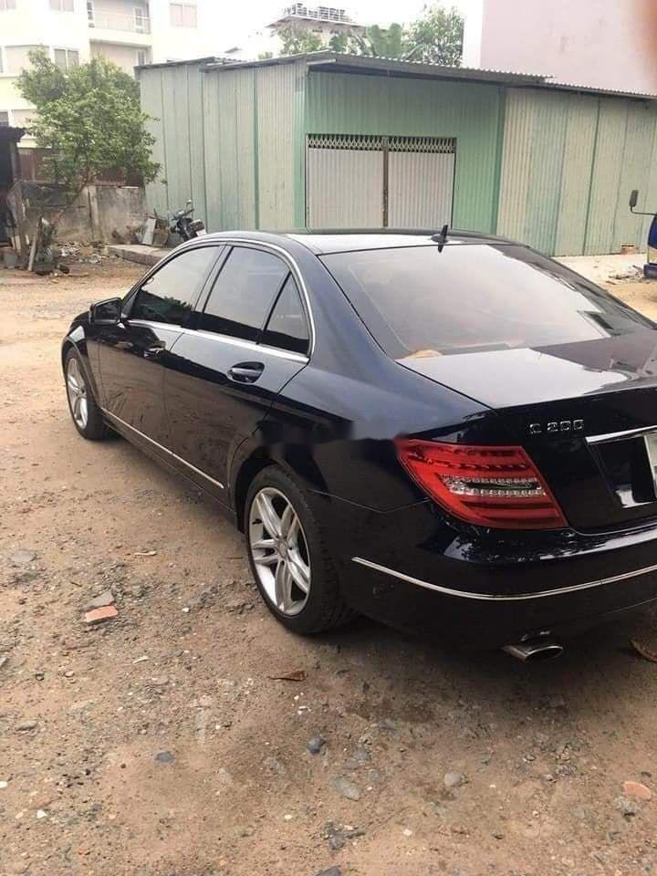 Cần bán Mercedes sản xuất 2014, màu đen chính chủ xe nguyên bản (4)