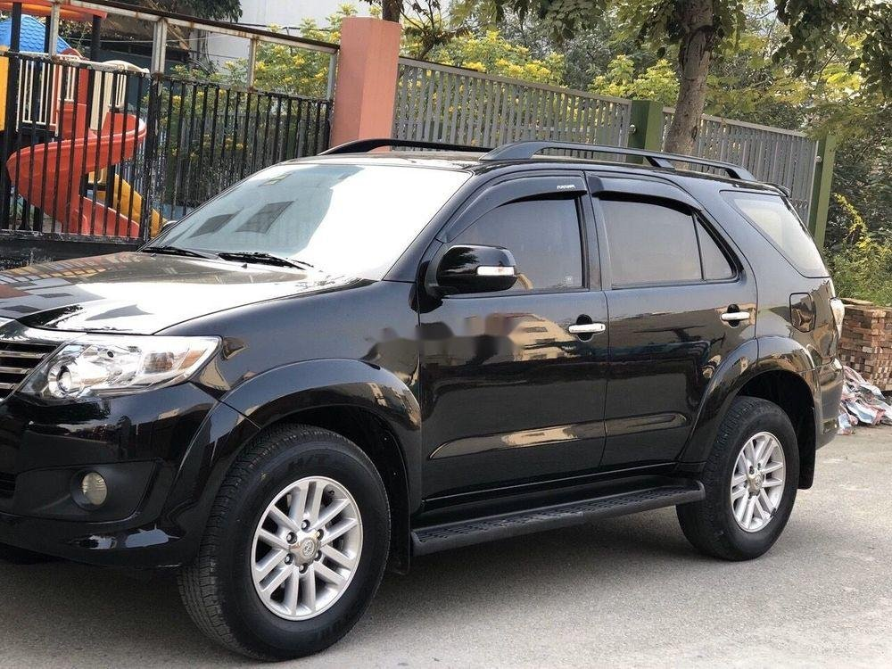 Cần bán xe Toyota Fortuner đời 2012, màu đen xe gia đình, 682tr xe nguyên bản (3)