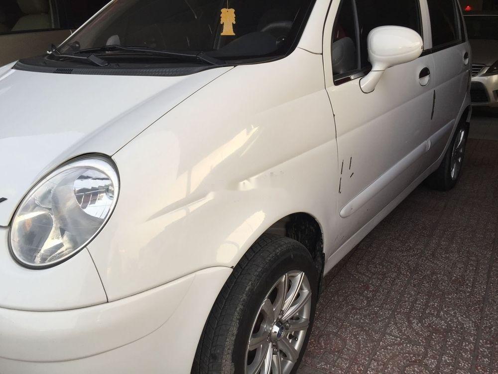 Cần bán gấp Daewoo Matiz sản xuất 2002, màu trắng, 110 triệu (3)
