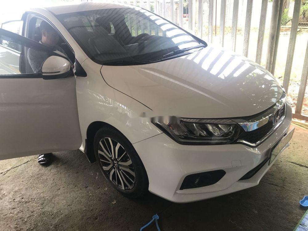 Bán xe Honda City đời 2018, màu trắng như mới (3)
