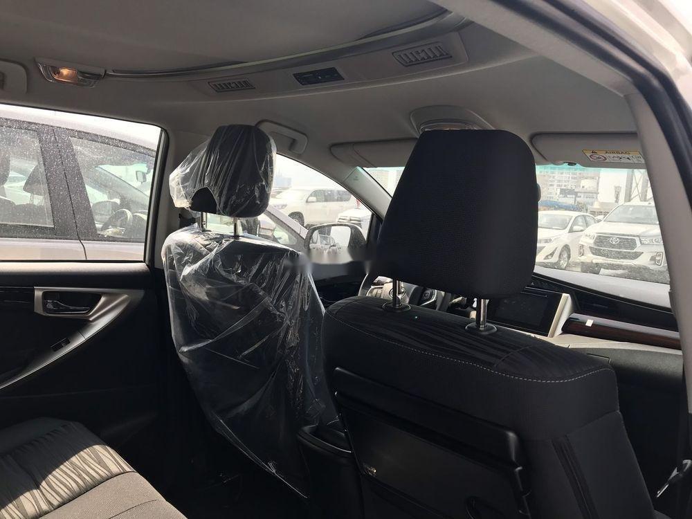 Bán Toyota Innova 2019, màu trắng, giá tốt (6)