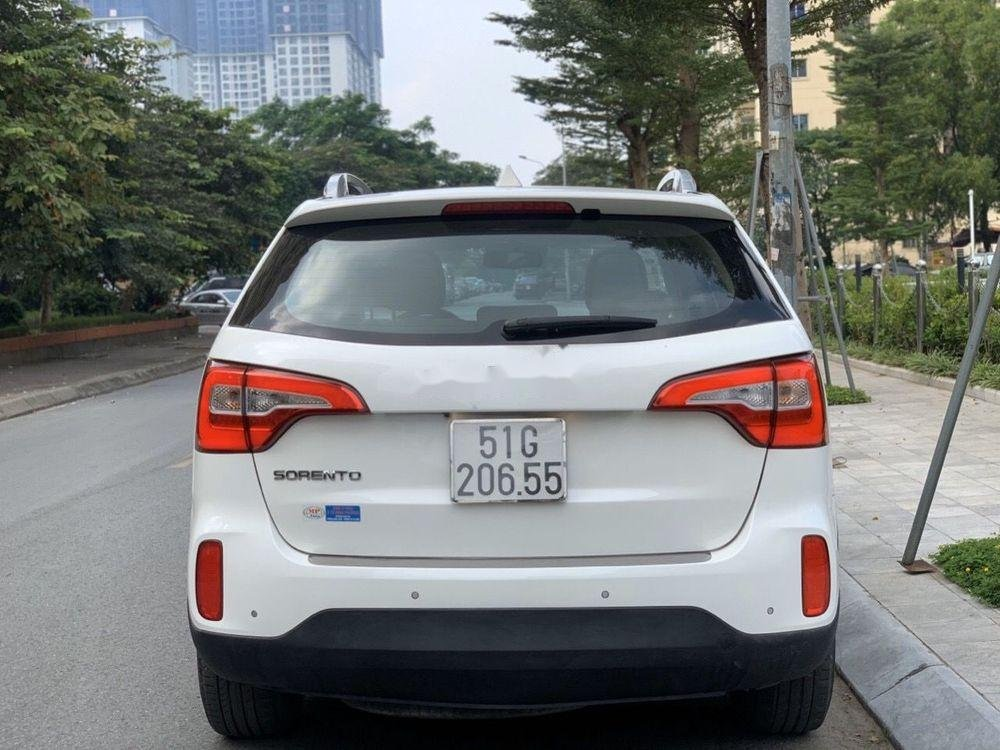 Cần bán Kia Sorento 2016, màu trắng chính chủ, giá chỉ 750 triệu xe nguyên bản (4)