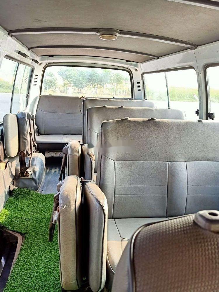 Cần bán Toyota Hiace đời 2000 xe nguyên bản (7)
