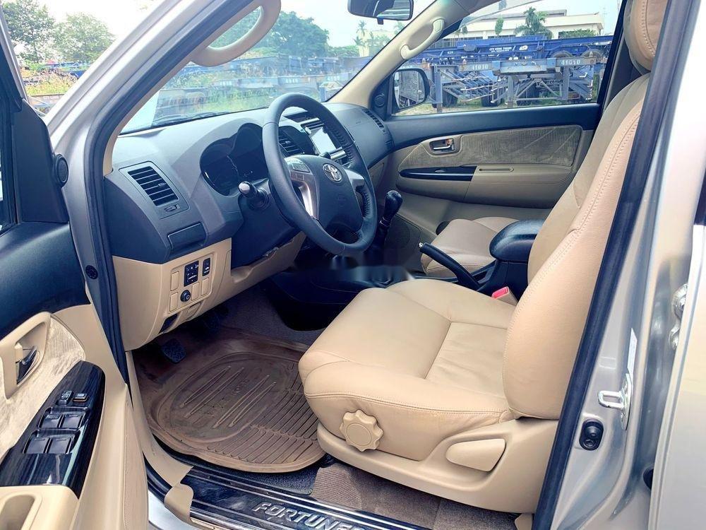 Bán Toyota Fortuner đời 2015, màu bạc chính chủ, giá tốt xe nguyên bản (9)