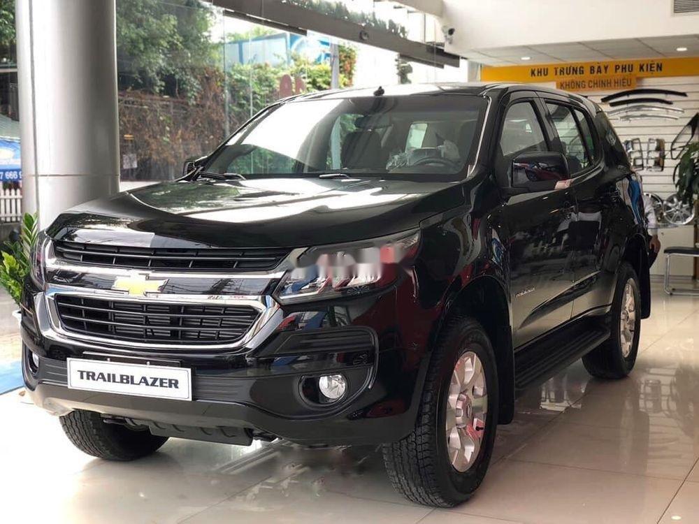 Cần bán Chevrolet Trailblazer 2019, màu đen, nhập khẩu nguyên chiếc chính hãng (1)