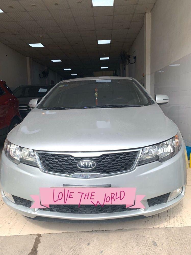 Cần bán gấp Kia Forte năm sản xuất 2013, màu bạc xe gia đình xe nguyên bản (1)