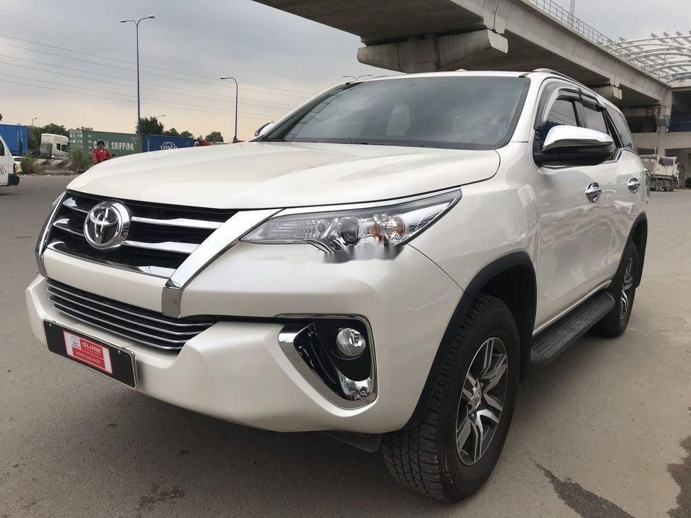 Bán ô tô Toyota Fortuner đời 2019, màu trắng xe nguyên bản (3)
