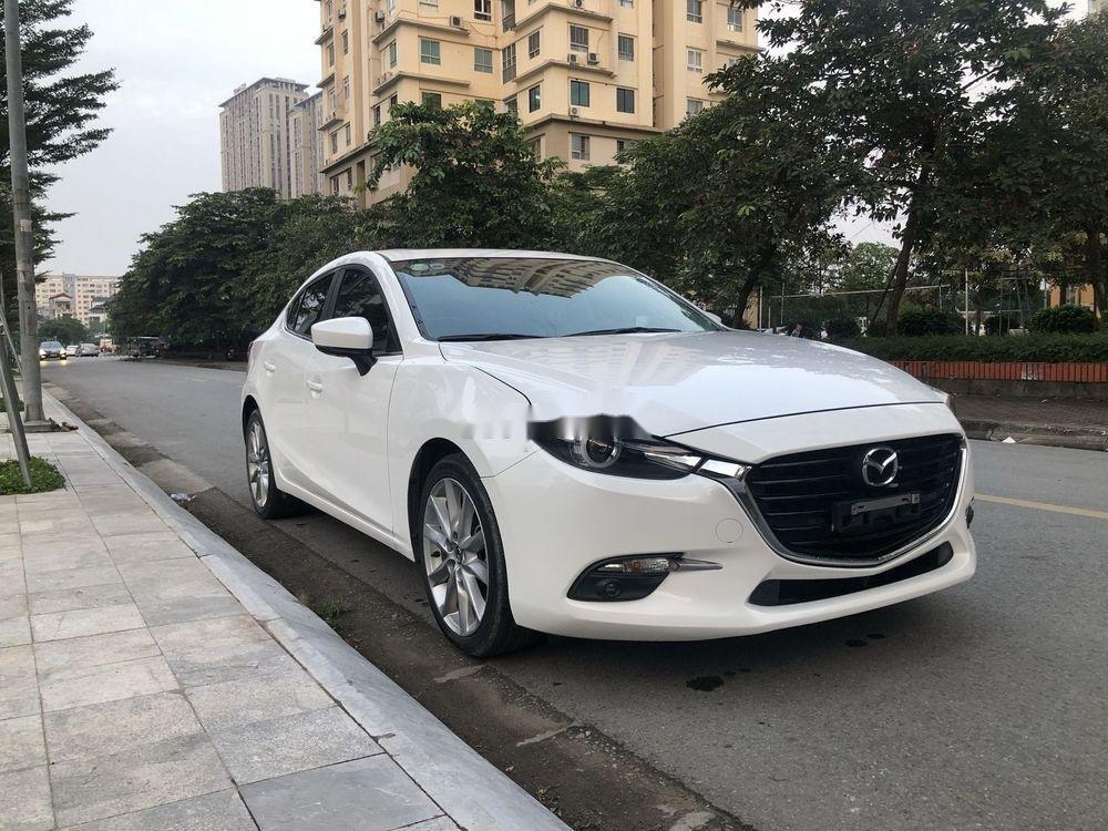 Cần bán Mazda 3 đời 2018, màu trắng chính chủ xe nguyên bản (2)