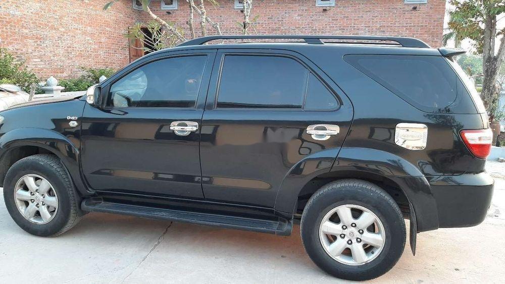 Bán Toyota Fortuner 2010, màu đen chính chủ xe nguyên bản (1)