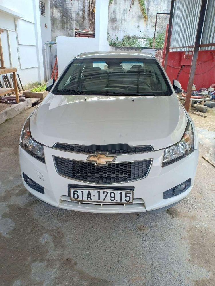 Bán Chevrolet Cruze 2014, màu trắng xe gia đình, 310 triệu xe nguyên bản (4)