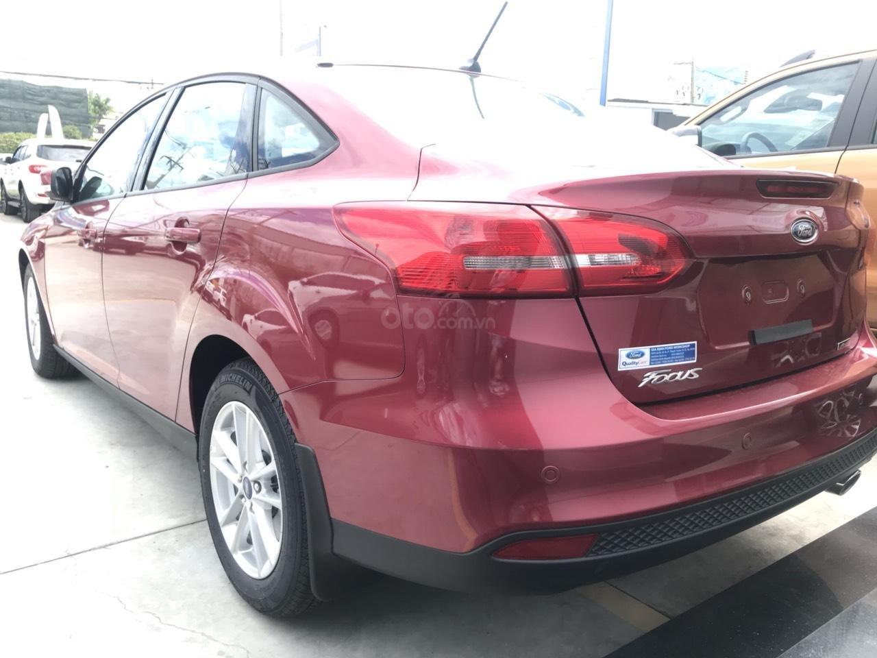 1 chiếc Focus Trend Sedan duy nhất tại miền Nam, màu đỏ (3)