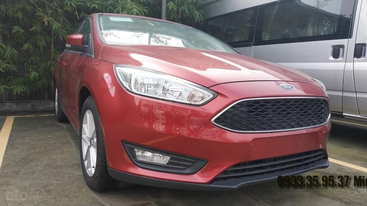 1 chiếc Focus Trend Sedan duy nhất tại miền Nam, màu đỏ (5)