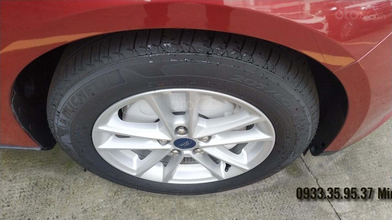 1 chiếc Focus Trend Sedan duy nhất tại miền Nam, màu đỏ (6)