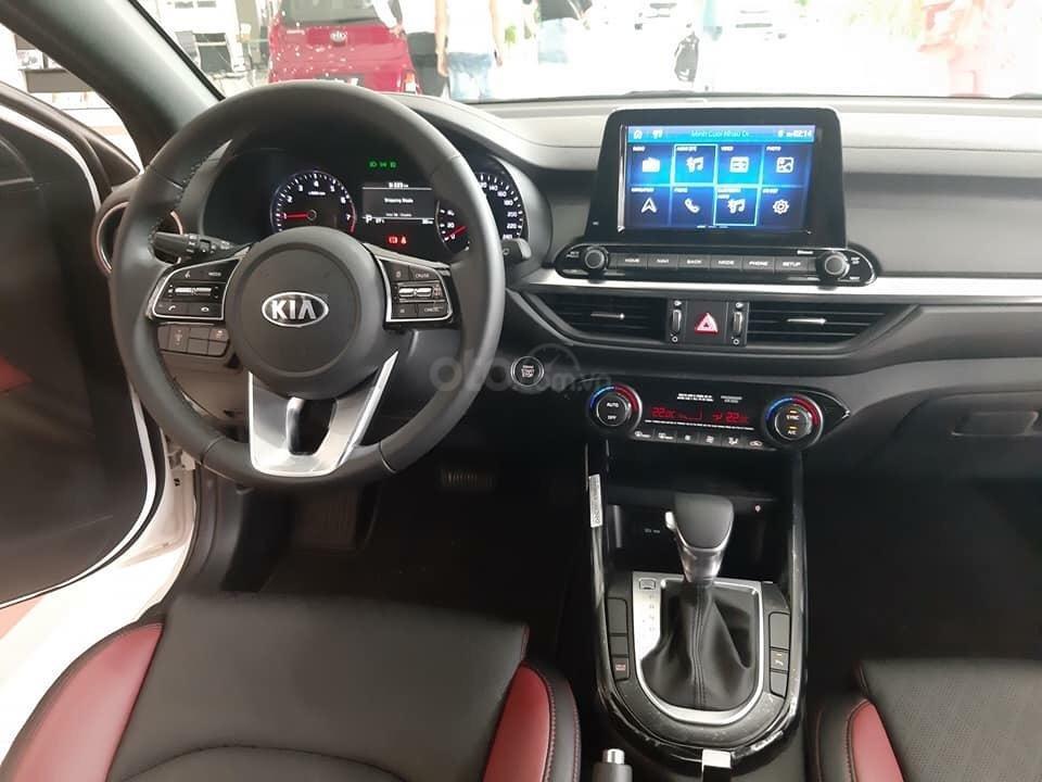 Kia Cerato 2.0 Premium - dẫn đầu phân khúc C - gọi ngay lấy giá tốt với Kia Giải Phóng 0969393456 (2)