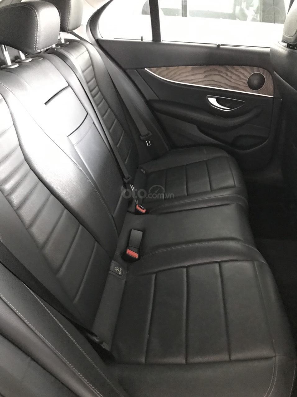 Bán E200 SX 2017 giá sốc lăn bánh 3 vạn 5 còn rất mới xe chính hãng bao test (5)