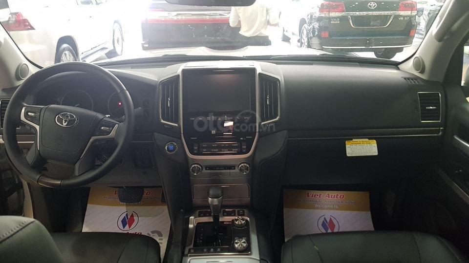 Bán Toyota Land Cruiser 5.7L model 2019, bản xuất Mỹ màu bạc (9)