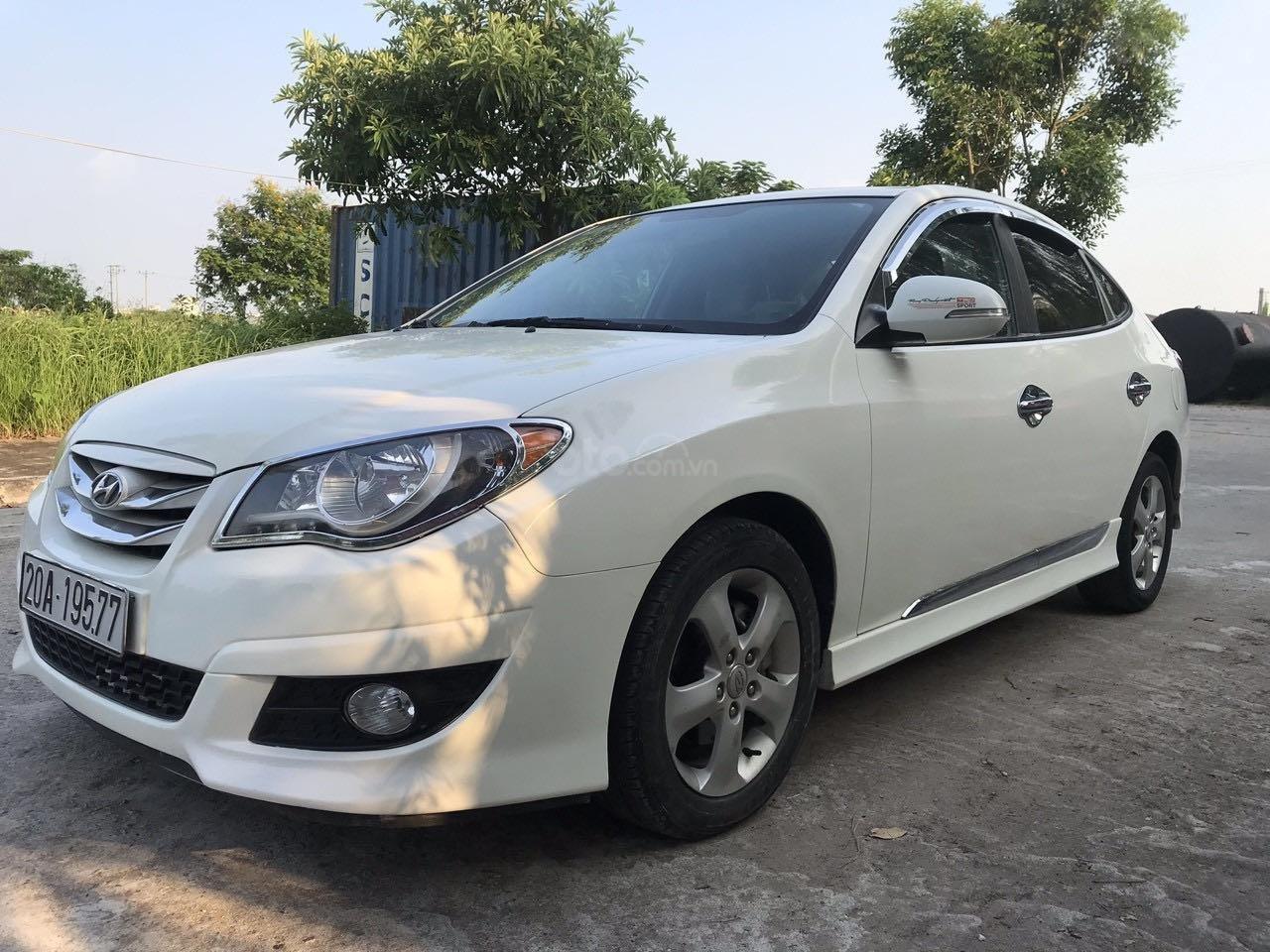 Hyunhdai Avante sx 2012 số tự động nhập khẩu bản cửa sổ nóc, xe đẹp suất sắc, máy 1.6 siêu tiết kiệm, xe số vào ngọt. (3)