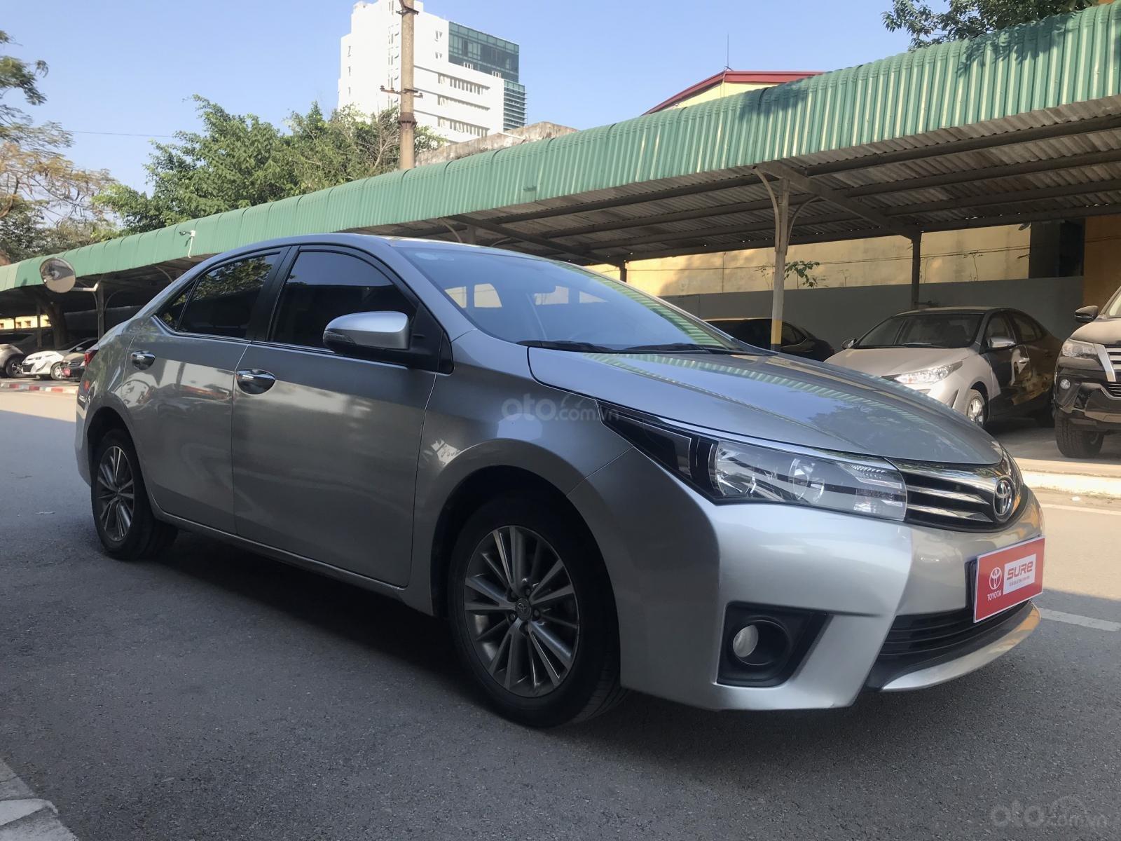 Bán Toyota Corolla Altis đời 2017, màu bạc (1)