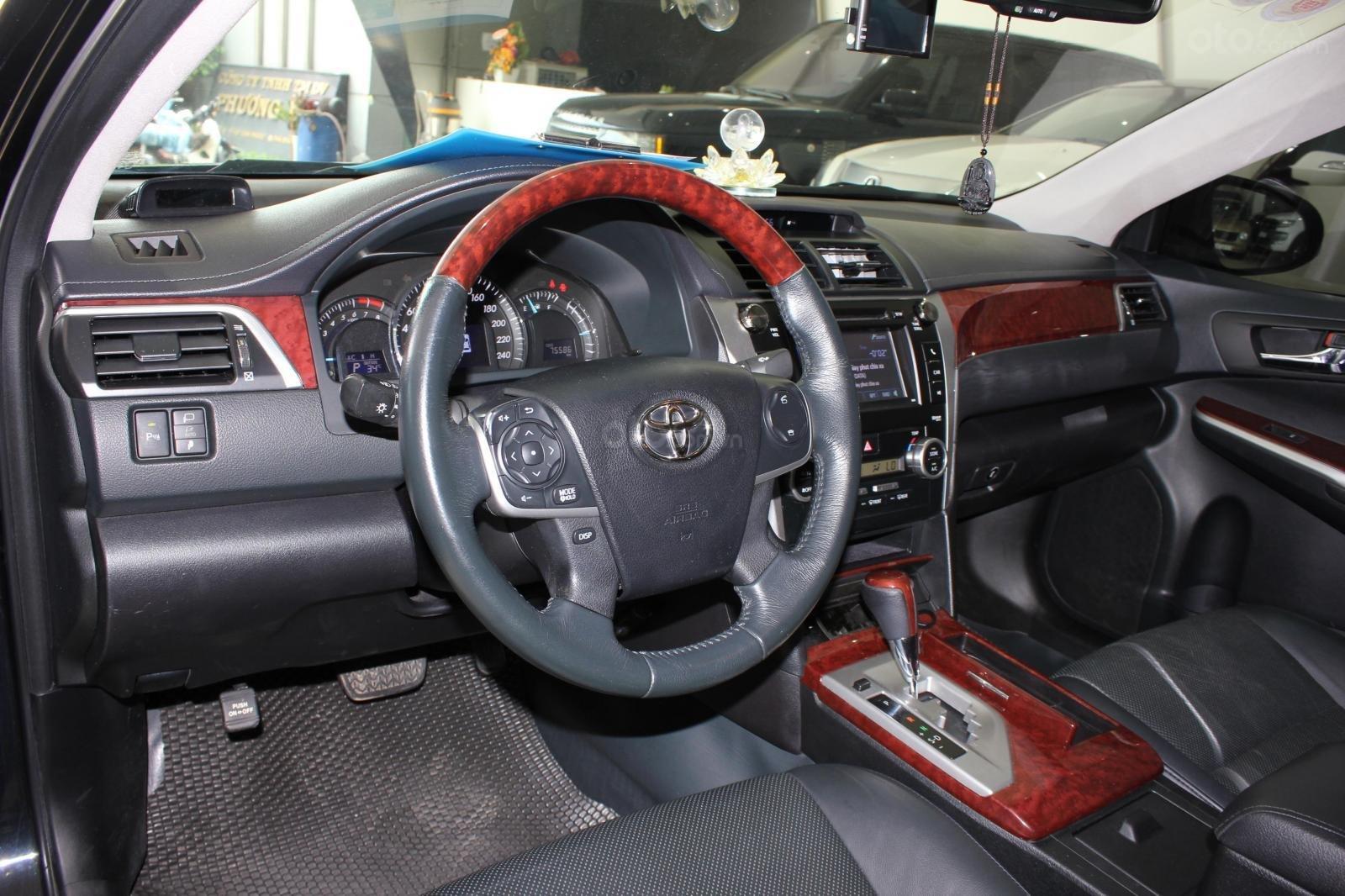 Cần bán Toyota Camry 2.5 Q 2013 bản full, màu đen, giá chỉ 755 triệu (9)