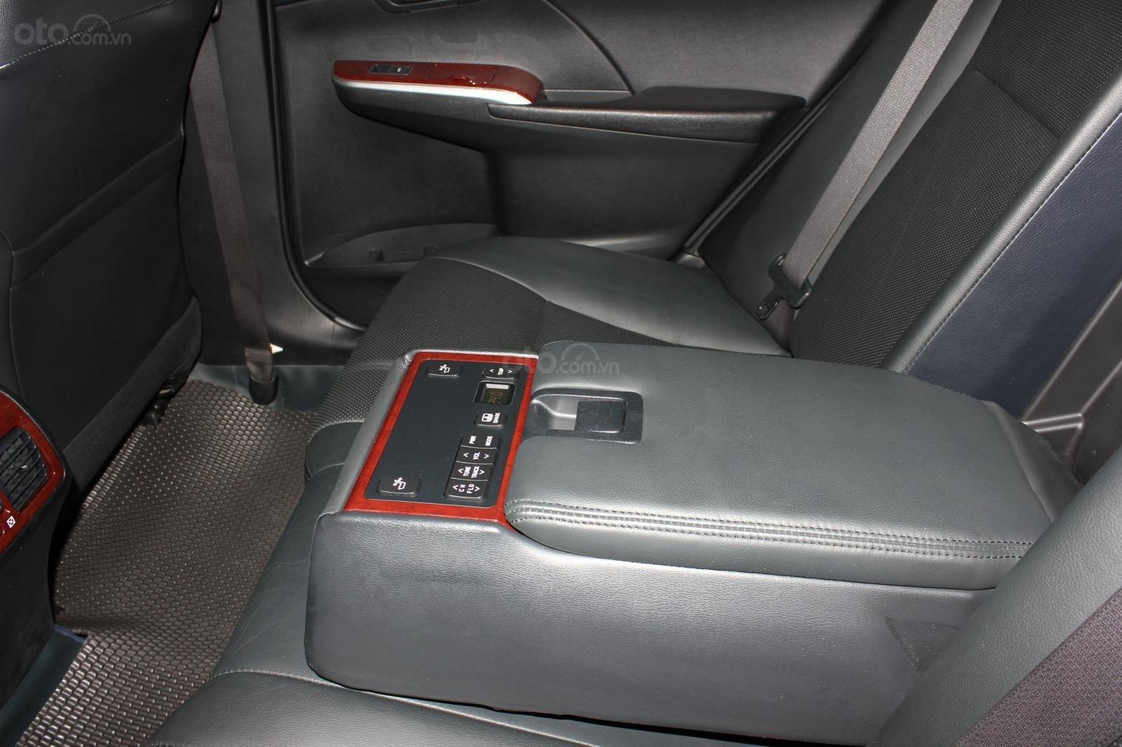 Cần bán Toyota Camry 2.5 Q 2013 bản full, màu đen, giá chỉ 755 triệu (17)