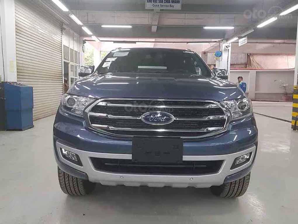 [Fordeverest.com.vn] Ford Everest Titanium 4x2 AT giảm giá đặc biệt, tri ân khách hàng tặng ngàn phụ kiện (1)