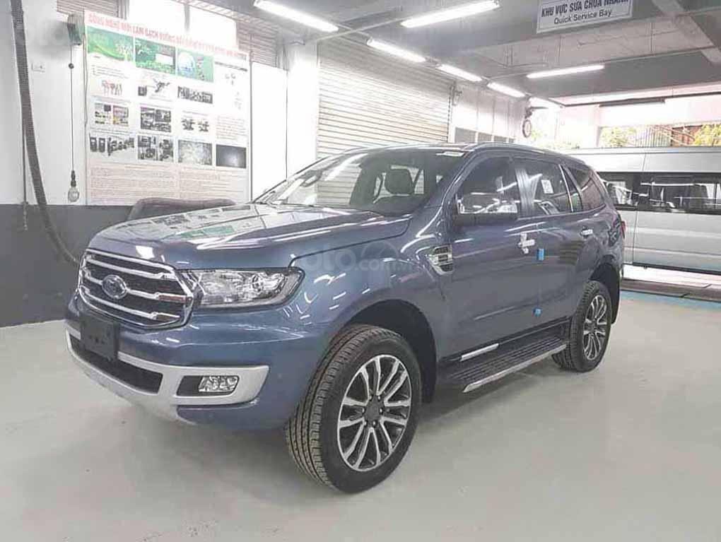 [Fordeverest.com.vn] Ford Everest Titanium 4x2 AT giảm giá đặc biệt, tri ân khách hàng tặng ngàn phụ kiện (2)