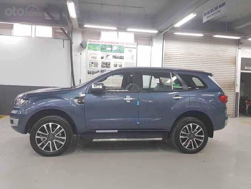 [Fordeverest.com.vn] Ford Everest Titanium 4x2 AT giảm giá đặc biệt, tri ân khách hàng tặng ngàn phụ kiện (3)
